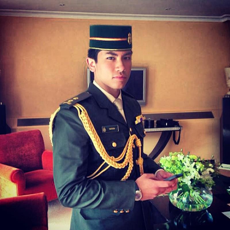 Ro tin Hoang tu Brunei tuyen vo, hoi chi em thi nhau ung tuyen-Hinh-9