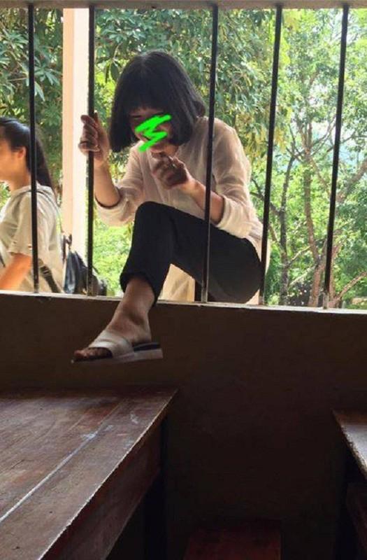 Treo tuong tron hoc bat thanh, gai xinh nhan cai ket xau ho-Hinh-12
