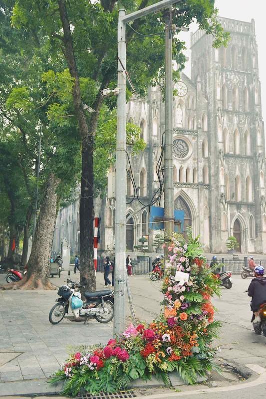 Hang loat cot den Ha Noi no hoa chao mung Quoc te Phu nu-Hinh-6