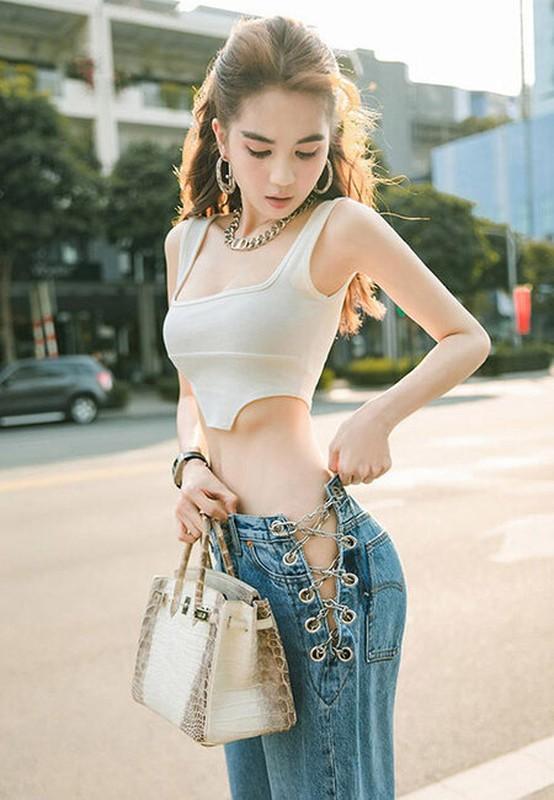 Fan bat ngo voi Ngoc Trinh sau vu bi hang xom quay len-Hinh-12