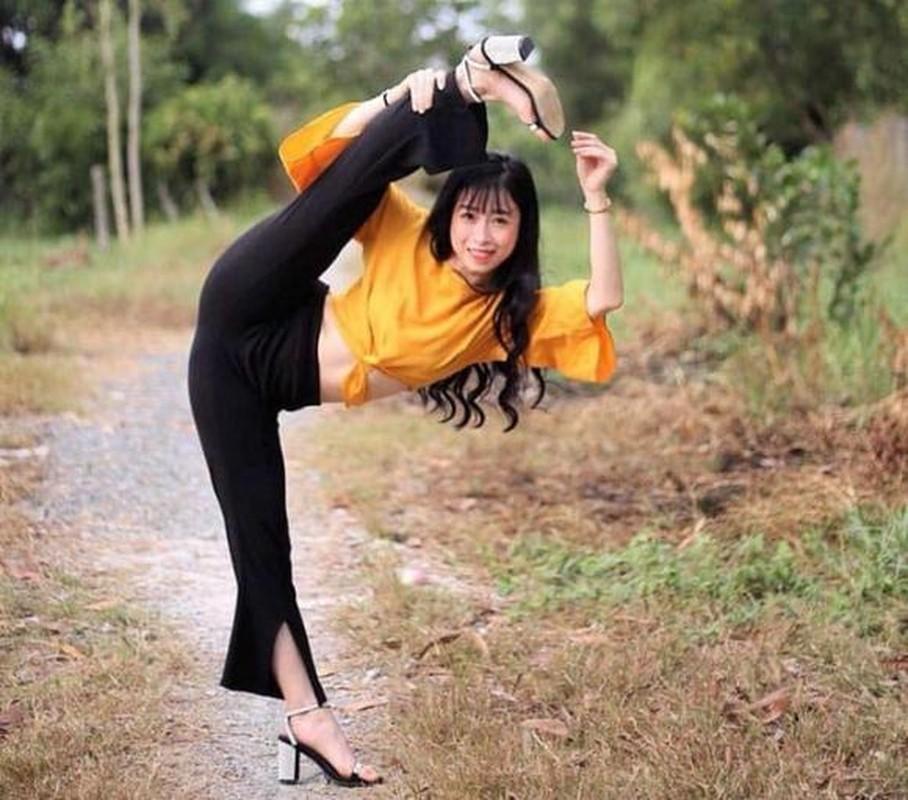 Khoe biet tai xoac chan thuong thua, hot girl Taekwondo Viet gay sot