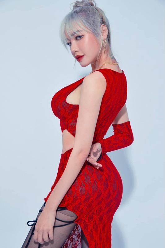 """Hot girl Elly Tran lam netizen """"chay mau mui"""" lo so do cuc chuan-Hinh-6"""