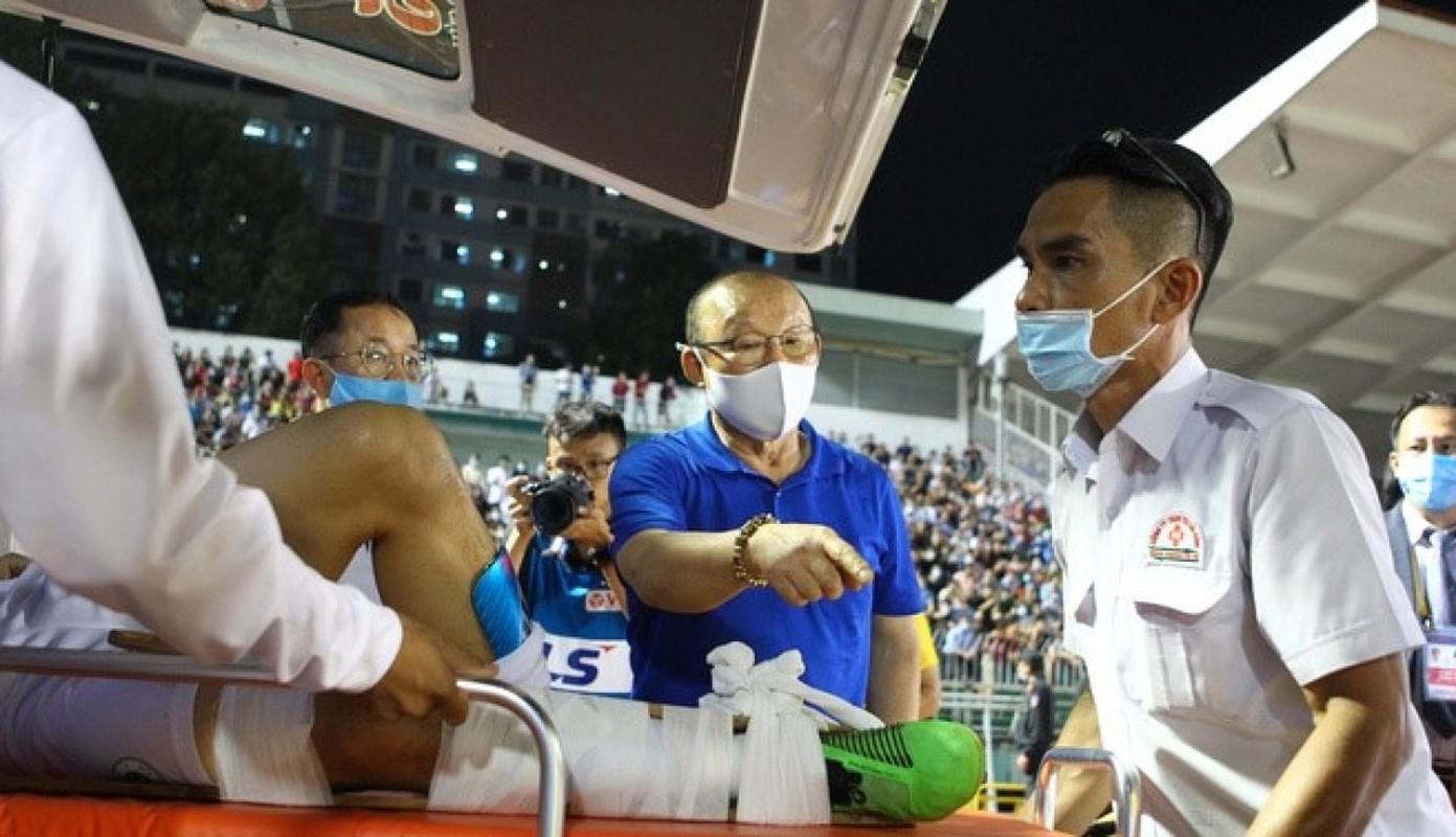 Truoc Do Hung Dung, V-League tung chung kien bao vu gay chan?-Hinh-3