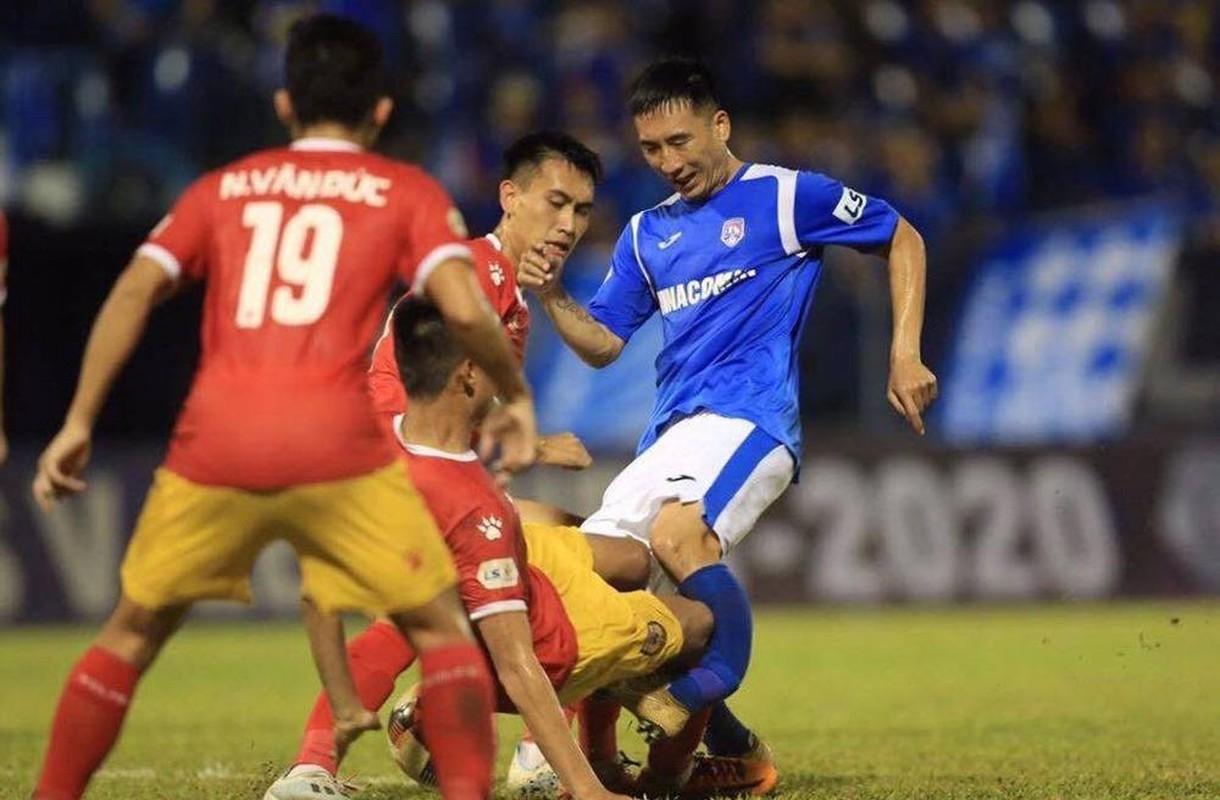 Truoc Do Hung Dung, V-League tung chung kien bao vu gay chan?-Hinh-4