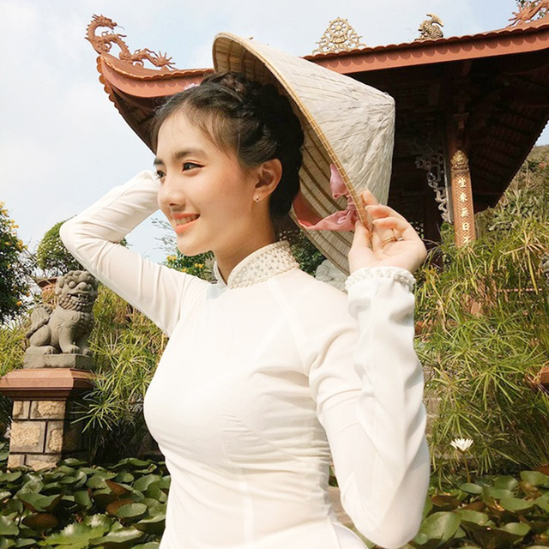 Dien trang phuc Khmer, gai xinh 10x An Giang nhan