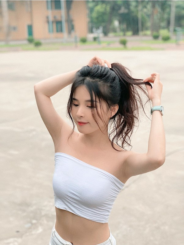 Lo mat moc kho tin, nu streamer dan toc lam netizen choang vang-Hinh-11