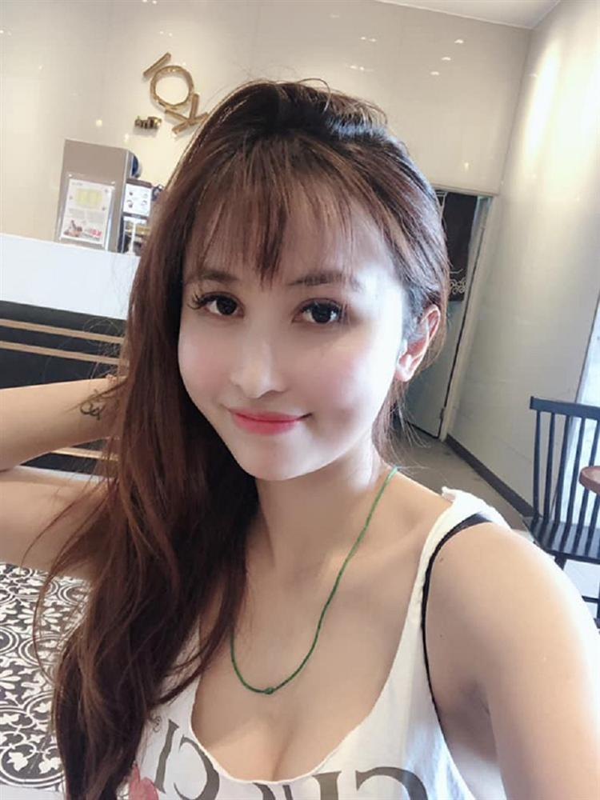 Tay om ca boc tien, vo hai Minh Nhua bi netizen bat loi dieu nay-Hinh-7