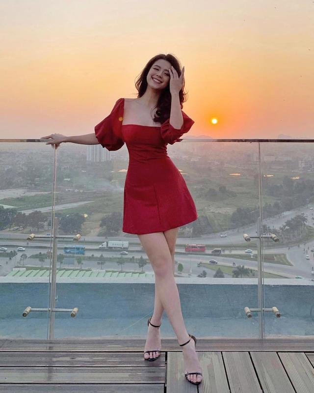 """""""Hot girl tap hoa"""" Han Hang tai xuat, netizen """"ban tin ban nghi"""""""