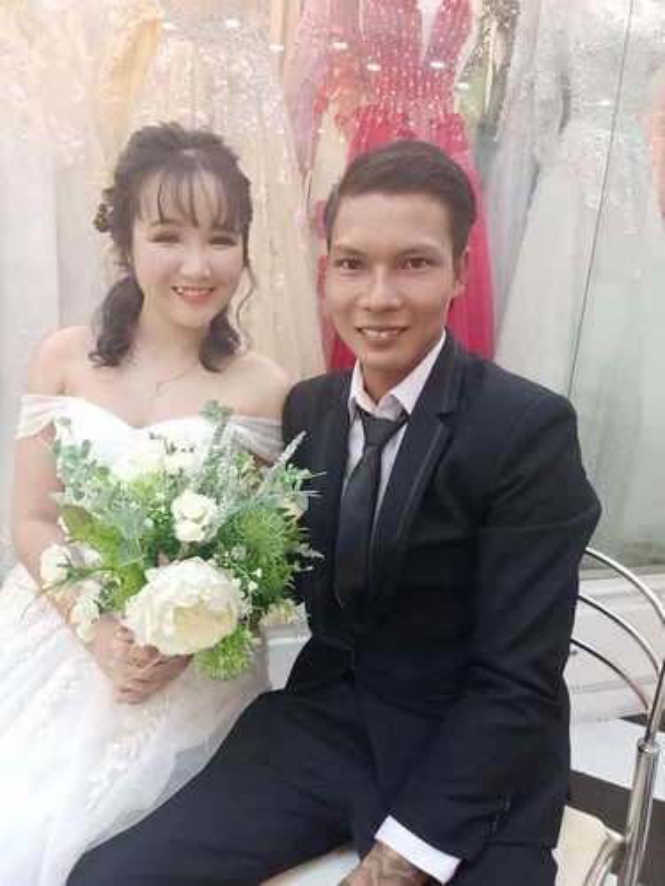 Sau dam cuoi rinh rang, Youtuber Loc Fuho nhan tin vui tu vo-Hinh-6