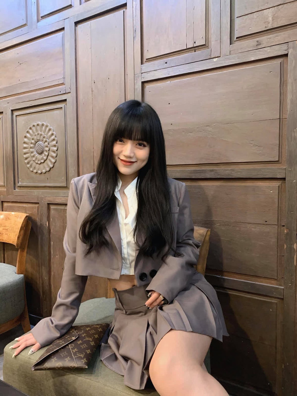 Lo anh thoi da den mat can, hot girl TikTok khien netizen chu y-Hinh-2