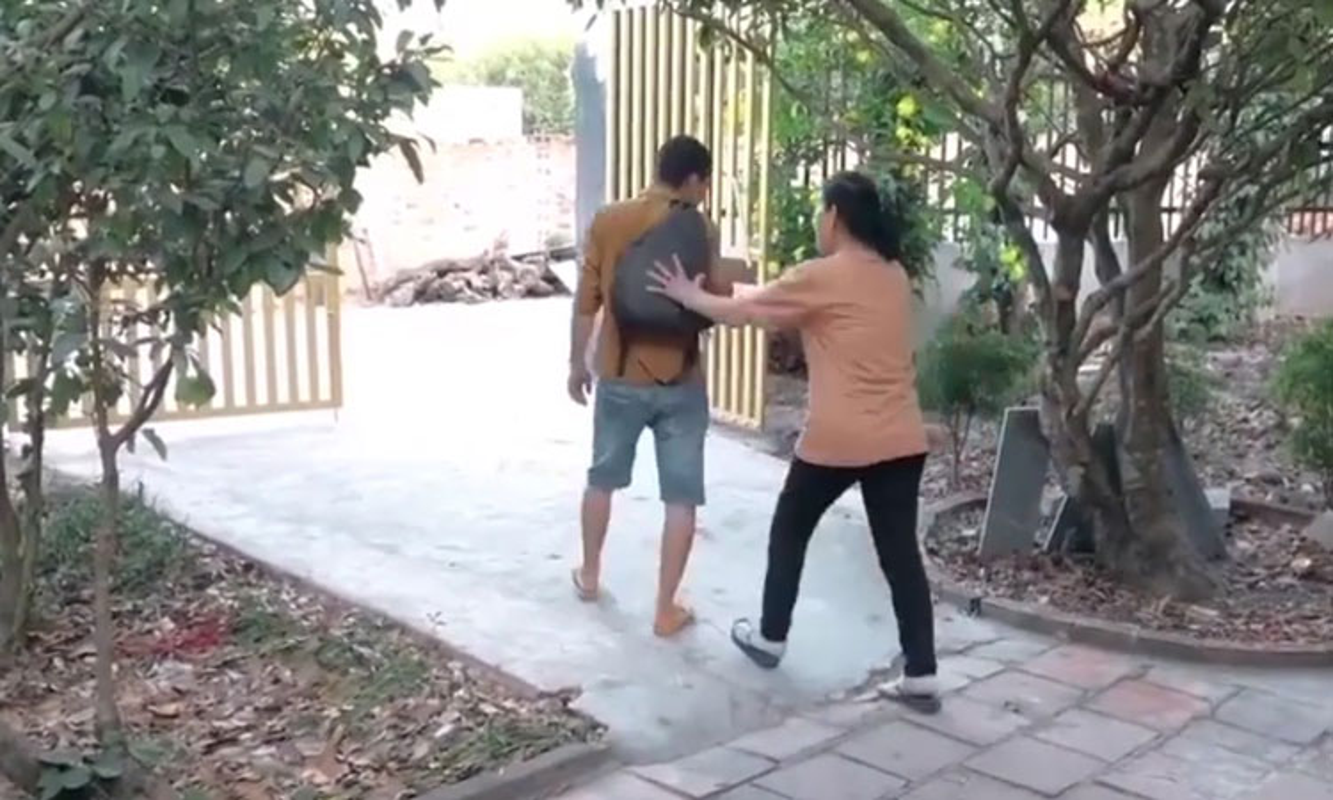 Cai nhau voi vo, canh may rau nhan cai ket het suc dang long-Hinh-12
