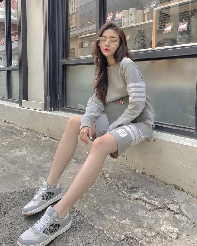 Hot girl Instagram tu kiem diem ban than vi luc do cuc... yeu-Hinh-3