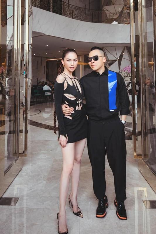 Xon xao ban gai Tay cua Bui Tien Dung lam