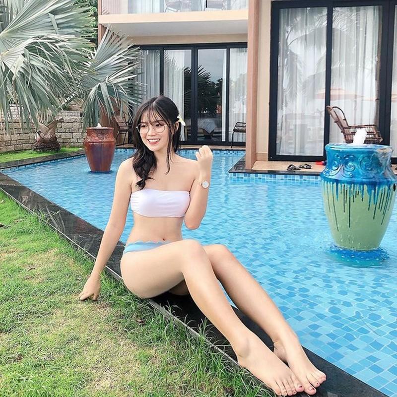 Hoi gai xinh yeu cau thu Viet khoe dang nong bong voi bikini-Hinh-10