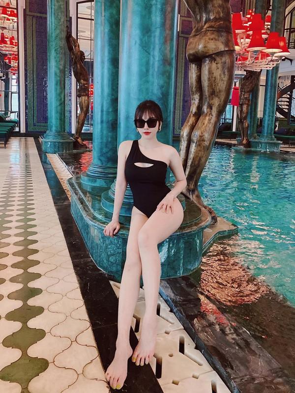 Hoi gai xinh yeu cau thu Viet khoe dang nong bong voi bikini-Hinh-12