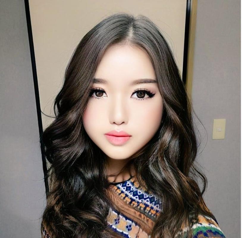 Dung FaceApp, ong chu tuoi 50 bien thanh hot girl gay sot mang-Hinh-10