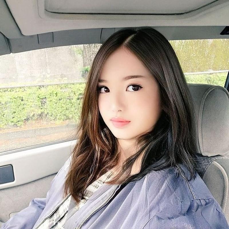 Dung FaceApp, ong chu tuoi 50 bien thanh hot girl gay sot mang-Hinh-11