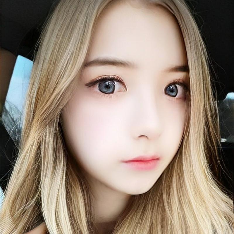 Dung FaceApp, ong chu tuoi 50 bien thanh hot girl gay sot mang-Hinh-2