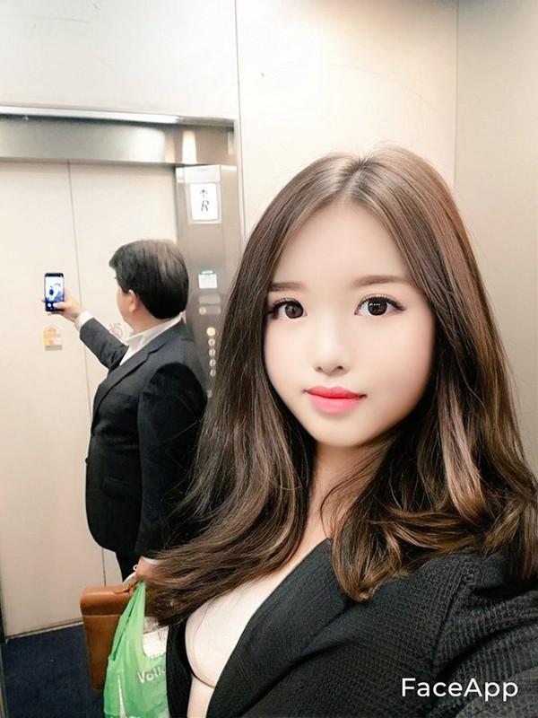 Dung FaceApp, ong chu tuoi 50 bien thanh hot girl gay sot mang-Hinh-5