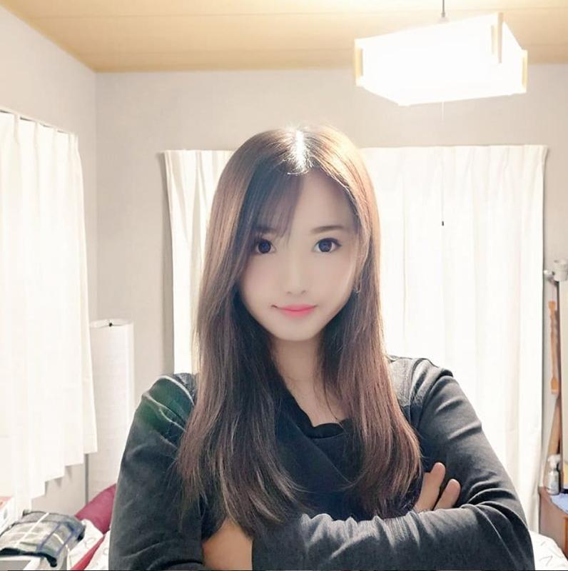 Dung FaceApp, ong chu tuoi 50 bien thanh hot girl gay sot mang-Hinh-6