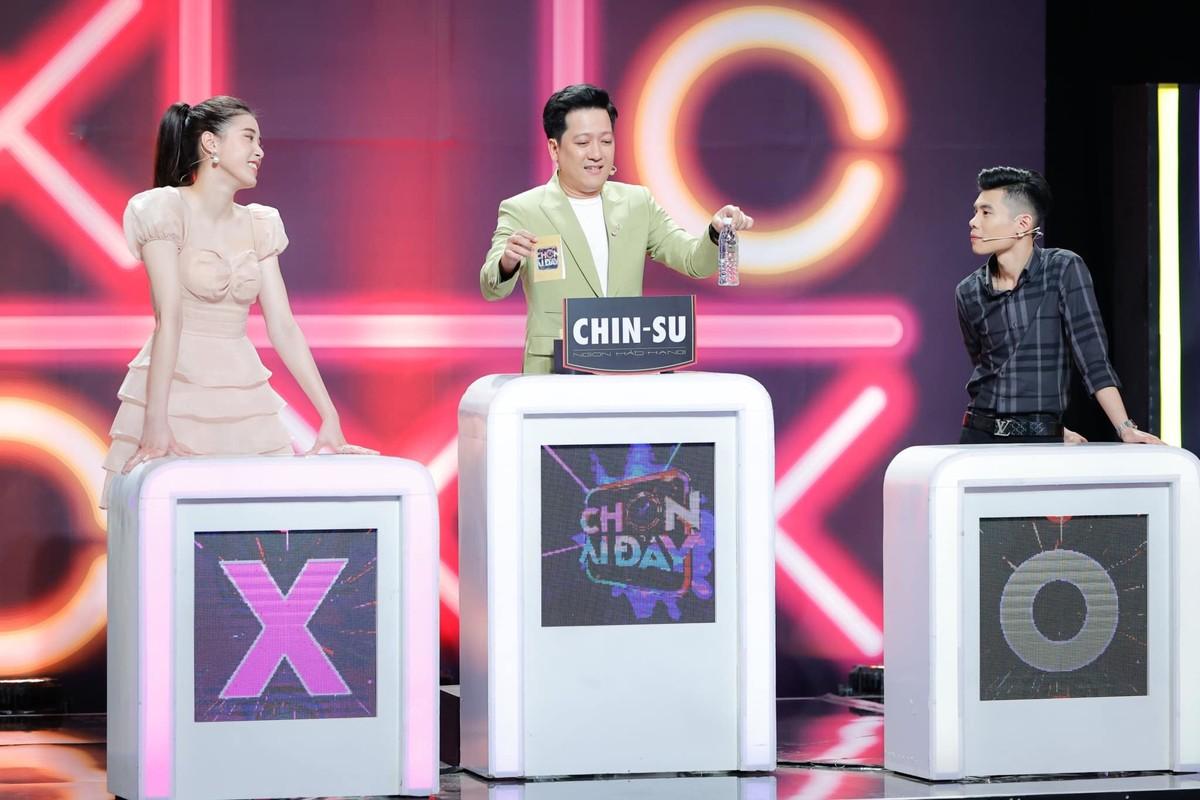 Hau giai nghe, Dang Thu Huyen dep mien che khi choi gameshow-Hinh-2