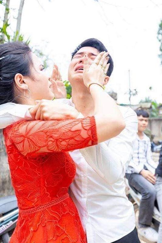 Chi gai di lay chong, bieu cam cua cau em trai gay bat ngo-Hinh-11