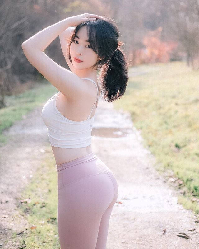 Sang lam y ta toi lam Youtuber, gai xinh Han Quoc khien netizen phat sot-Hinh-12