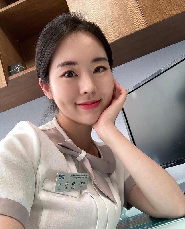 Sáng làm y tá tối làm Youtuber, gái xinh Hàn Quốc khiến netizen phát sốt