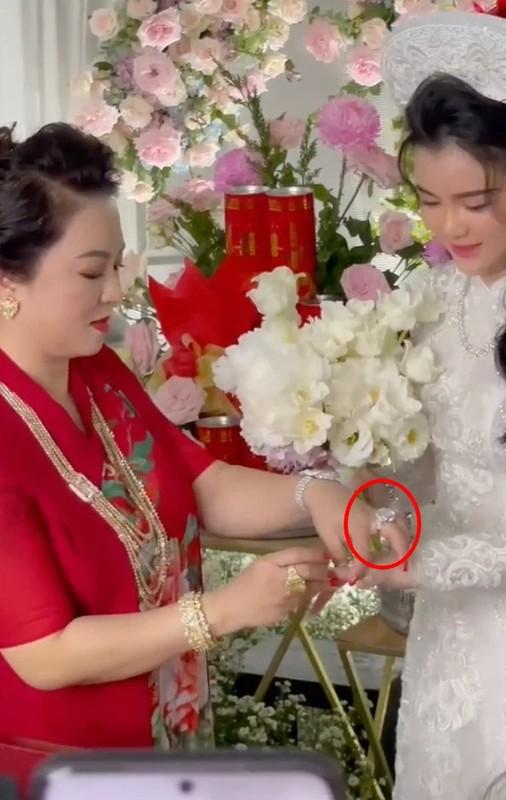 Pho truong su giau co, con dau ba Phuong Hang khien netizen lac mat-Hinh-4