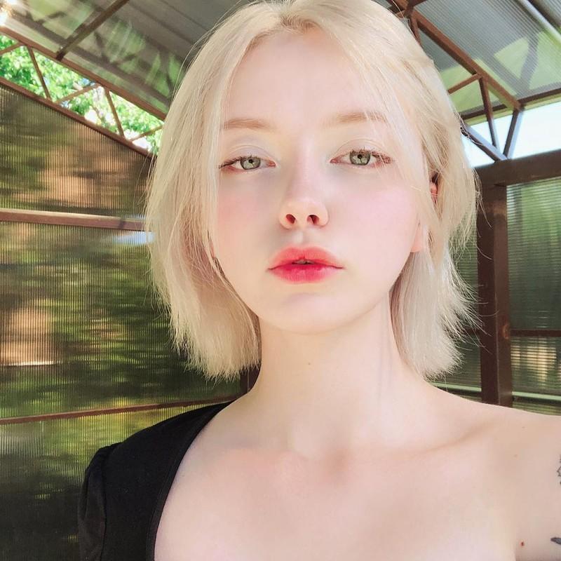 Dep tua tinh dau, hot girl Nga lam netizen tan chay la ai?-Hinh-4