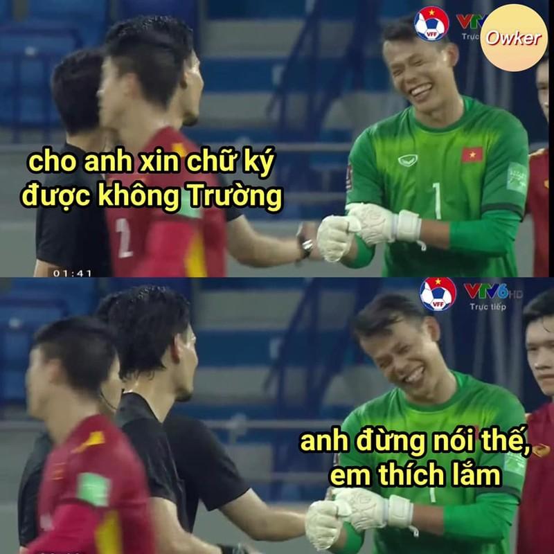 Thu mon doi tuyen Viet Nam bi soi anh xai app va cam thuong-Hinh-10