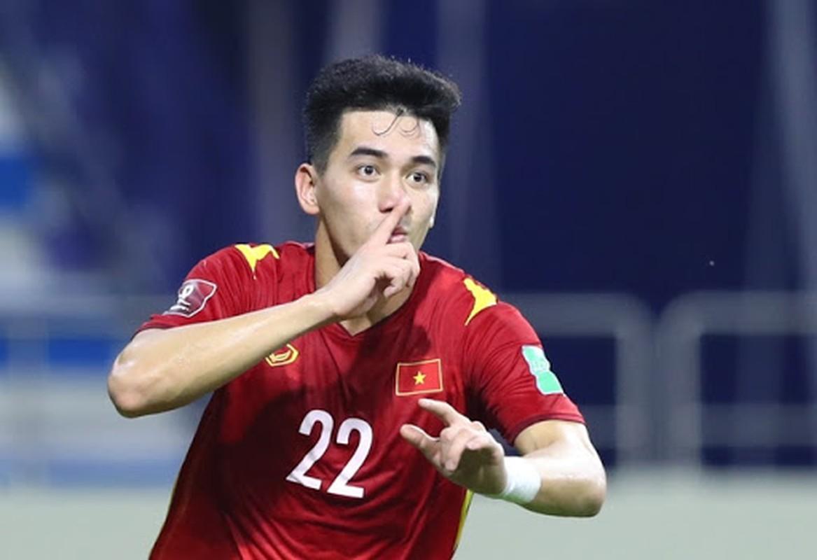 Lo clip tap the duc khi cach ly, Tien Linh khien fan nu ban tan-Hinh-10