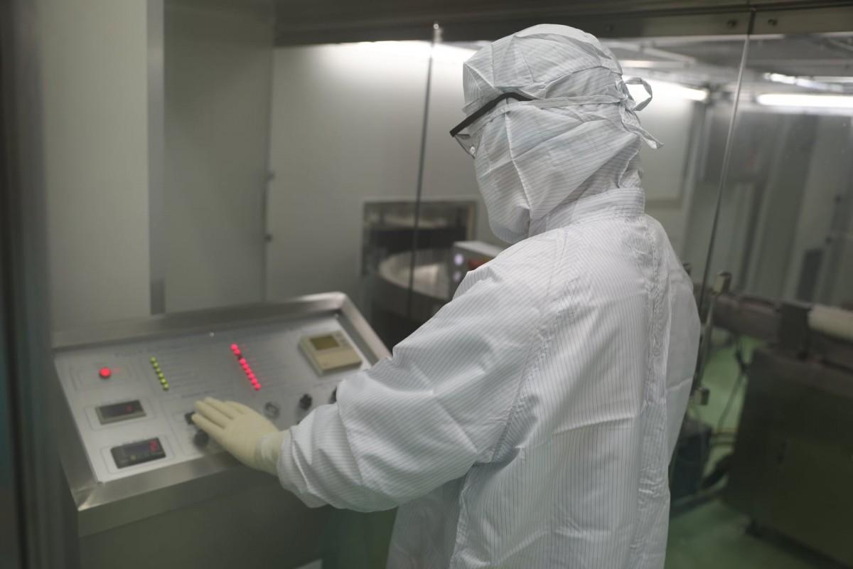 Can canh quy trinh gia cong vaccine Sputnik V tai Viet Nam