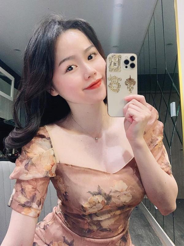 Ban gai cu Quang Hai chinh thuc thanh BTV the thao, dan mang noi gi?-Hinh-6