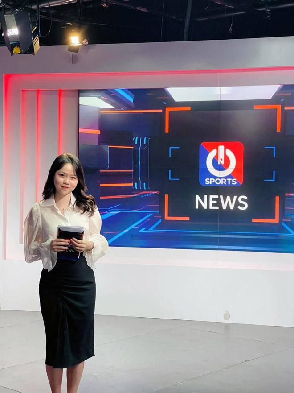 Ban gai cu Quang Hai chinh thuc thanh BTV the thao, dan mang noi gi?