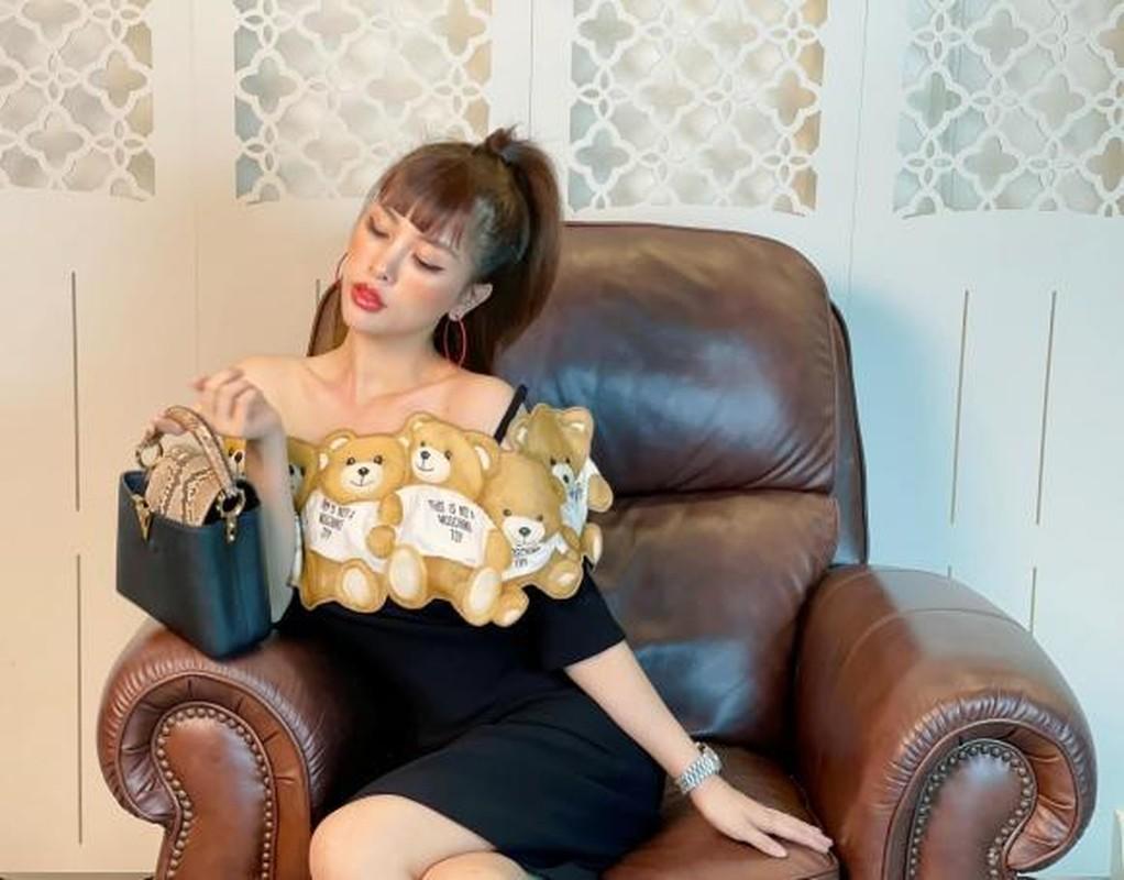O nha gian cach xa hoi, gai xinh Trang Pilla khoe doi song quy toc-Hinh-3