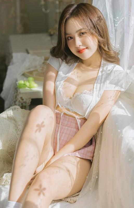 Hot girl Le Phuong Anh dang noi dinh dam mang xa hoi la ai?-Hinh-2