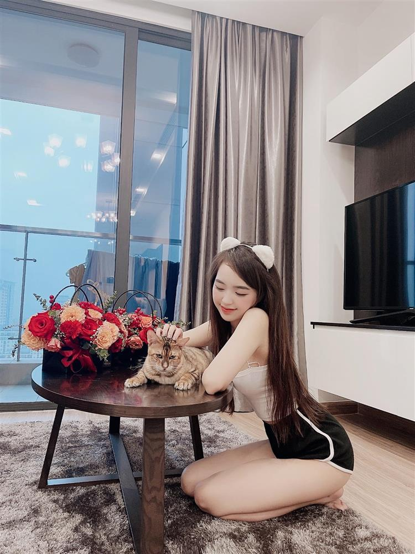 Hot girl Le Phuong Anh dang noi dinh dam mang xa hoi la ai?-Hinh-5