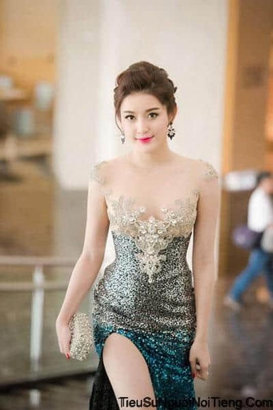 Tung clip bat trend, A hau Huyen My bi soi chiec mui khac la-Hinh-8