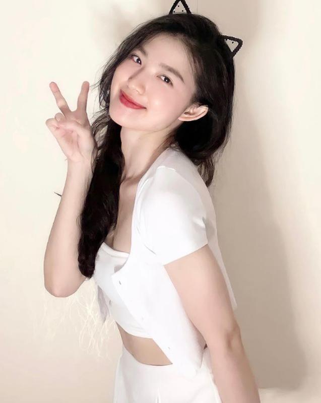 """Nhay cho vui, """"dan choi he TikTok"""" 9X lam netizen ban tim tung bung-Hinh-8"""