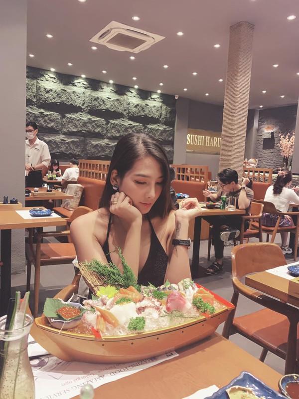 Review luong kho quan doi, gai xinh bong noi tieng mang xa hoi-Hinh-10