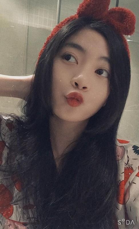 Tot nghiep dai hoc hot girl trieu followers khoe anh trai tang qua khung-Hinh-12