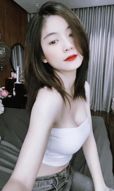 Tot nghiep dai hoc hot girl trieu followers khoe anh trai tang qua khung-Hinh-7