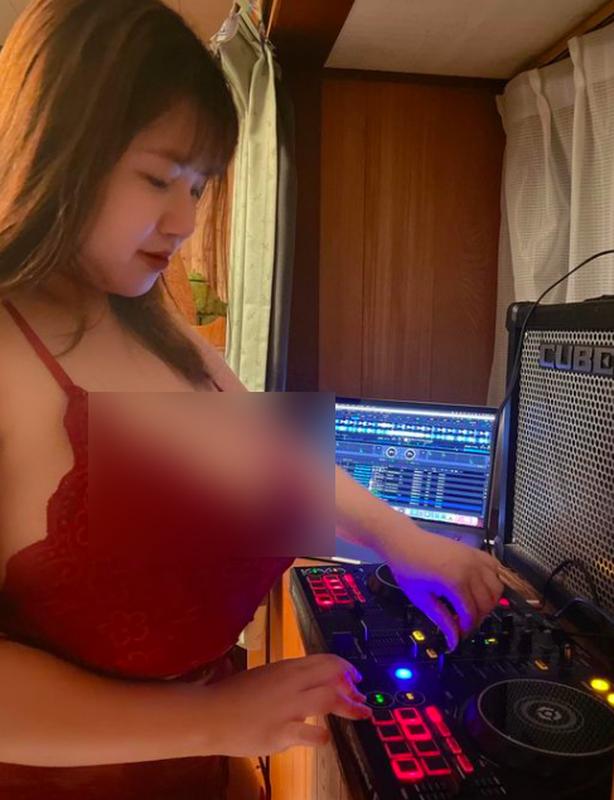 """Hot girl nguc khung"" Hai Duong co tinh de lo het vung nhay cam-Hinh-6"