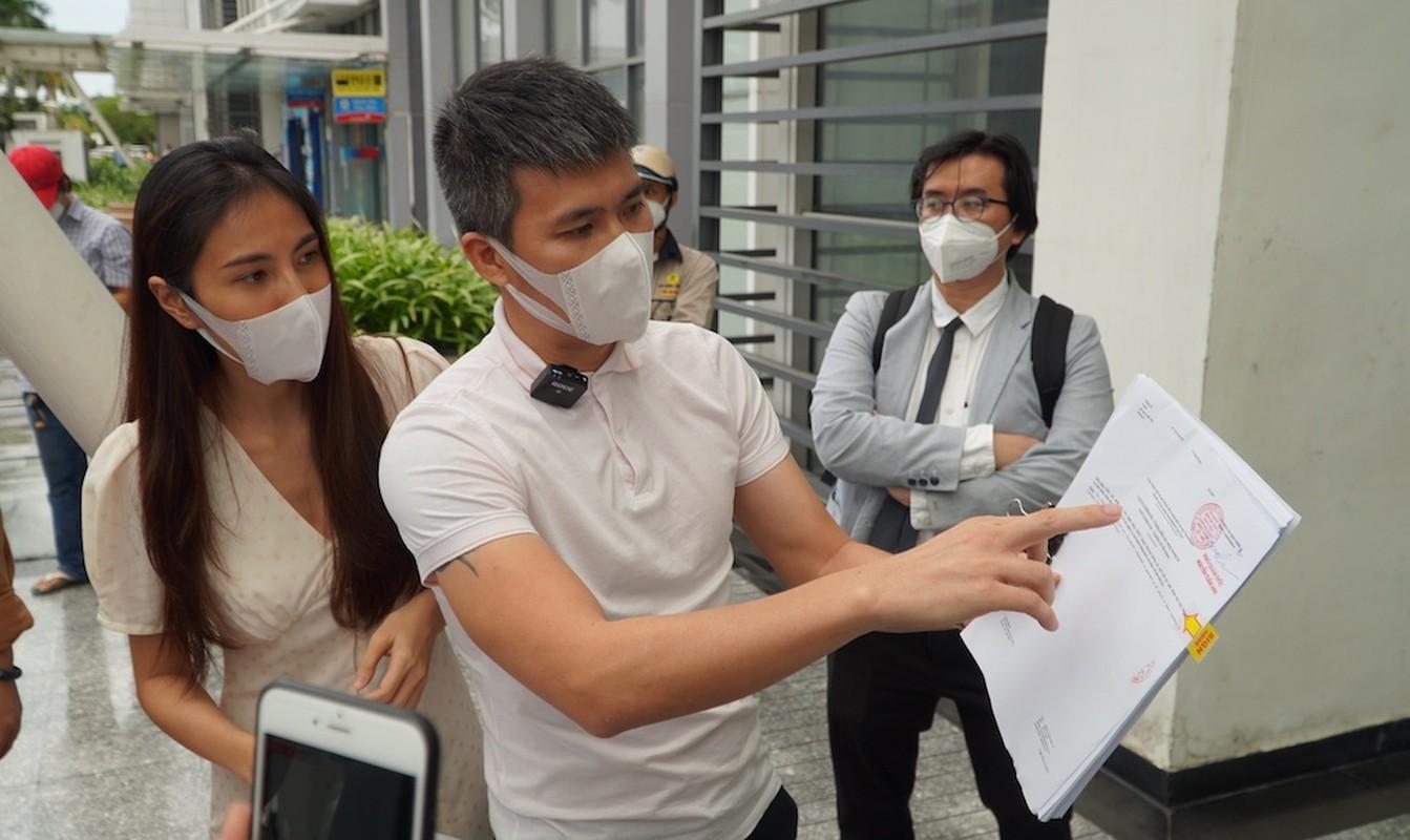 Nguoi dan ong quyen luc lam Cong Vinh phai tat ngay livestream la ai-Hinh-6