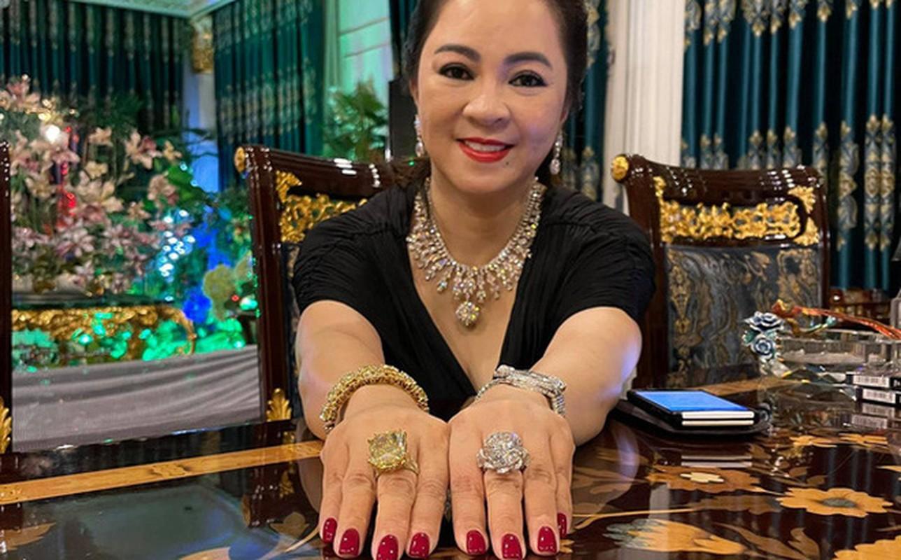 Netizen che background livestream nha ba Phuong Hang nhu tiec cuoi-Hinh-10