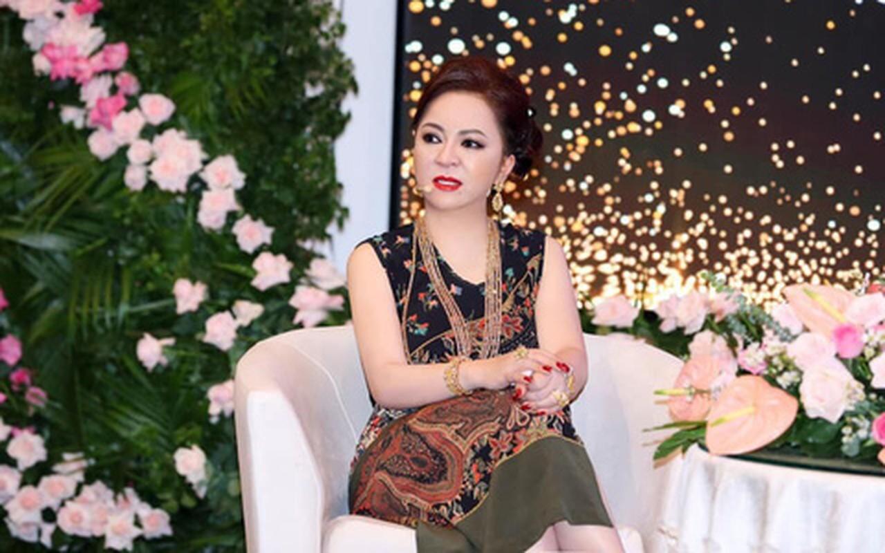 Netizen che background livestream nha ba Phuong Hang nhu tiec cuoi-Hinh-5