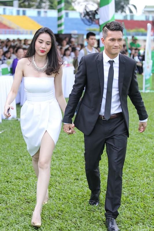 Hanh dong nho voi Thuy Tien, Cong Vinh duoc netizen khen het loi-Hinh-12