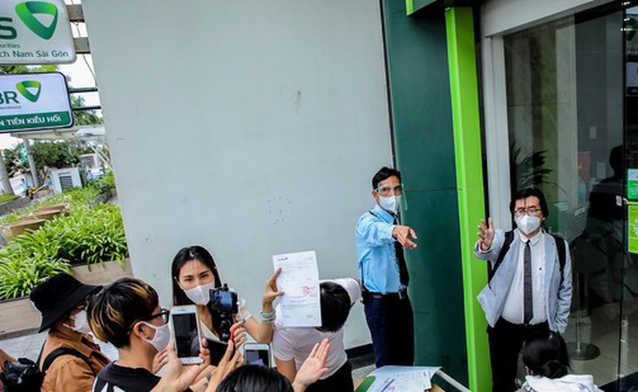 "Hau ""tam khoa bao co"", netizen vao page Vietcombank hoi lap quy den-Hinh-12"