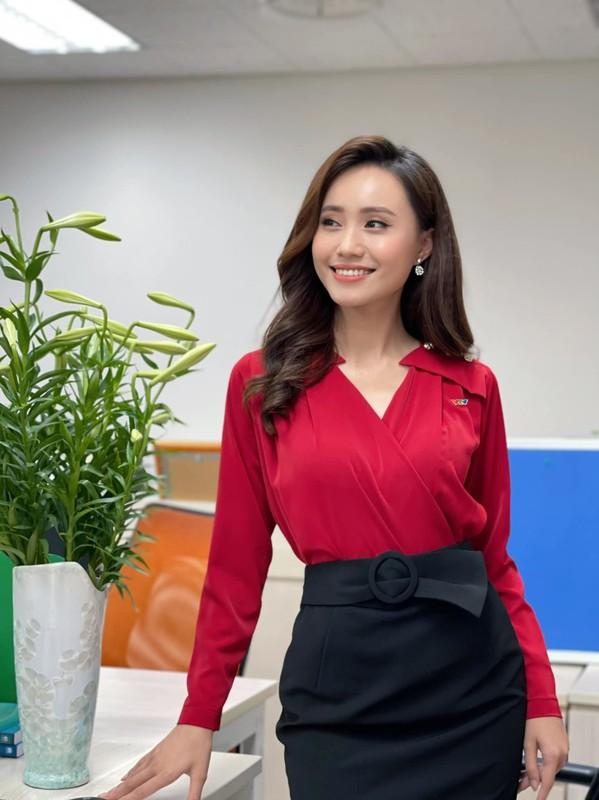 Tranh thu Ha Noi noi long, MC thoi tiet VTV lam dam hoi gap-Hinh-10